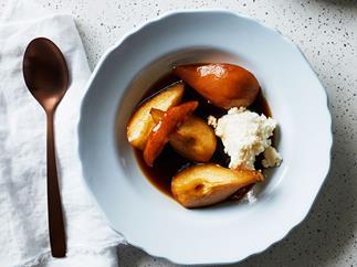 Pears baked in Marsala