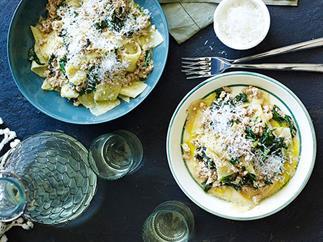 Chicken and clove ragù with polenta pasta