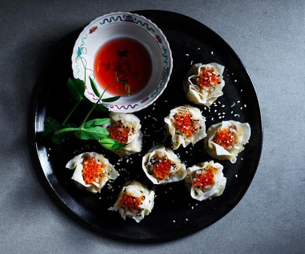 "**[Pork, scallop and sticky rice siu mai](https://www.gourmettraveller.com.au/recipes/browse-all/sticky-rice-siu-mai-17793|target=""_blank"")**"