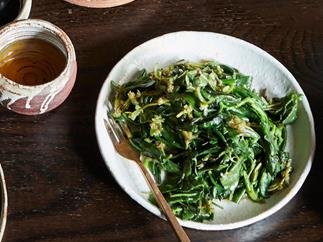 Stir-fried Australian native greens with garlic