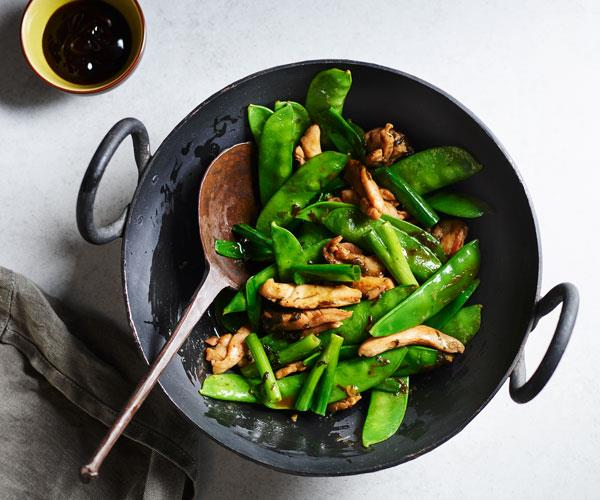 Stir-fried chicken with Chinese olive vegetable