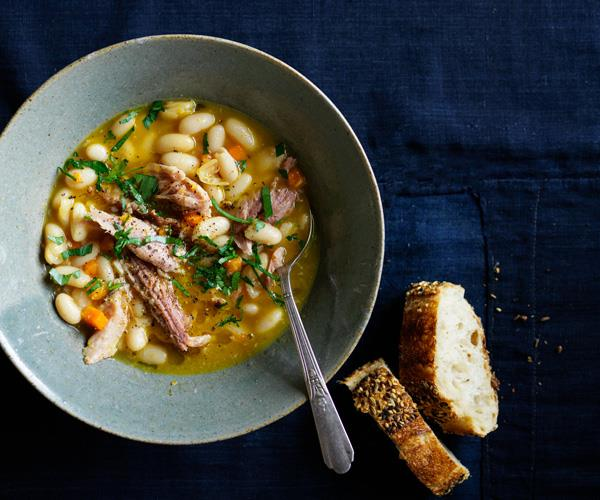 Ham and cannellini bean soup