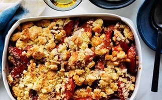 Quince and marzipan crumble