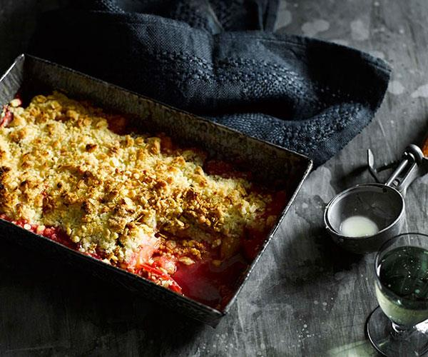 "**[Rhubarb crumble](http://www.gourmettraveller.com.au/recipes/fast-recipes/rhubarb-crumble-13371|target=""_blank"")**"