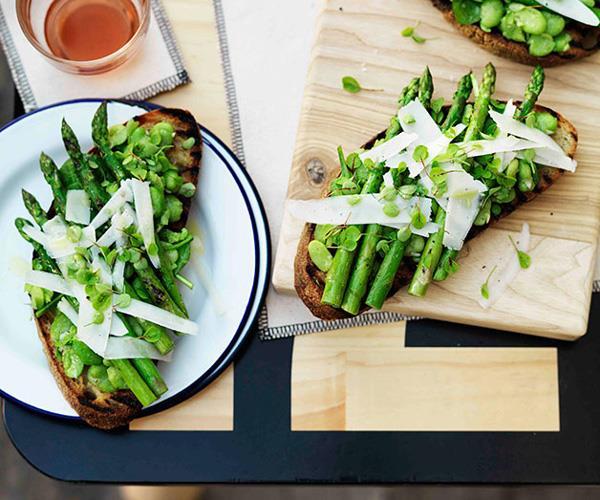 Crushed broad bean, grilled asparagus, pecorino and sorrel tartine