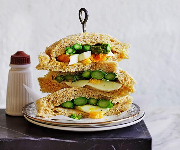 Asparagus and egg tramezzini with lemon aïoli