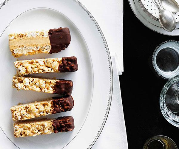 Caramel parfait with candied popcorn