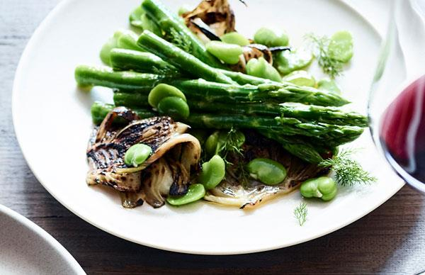 Grilled fennel and asparagus salad