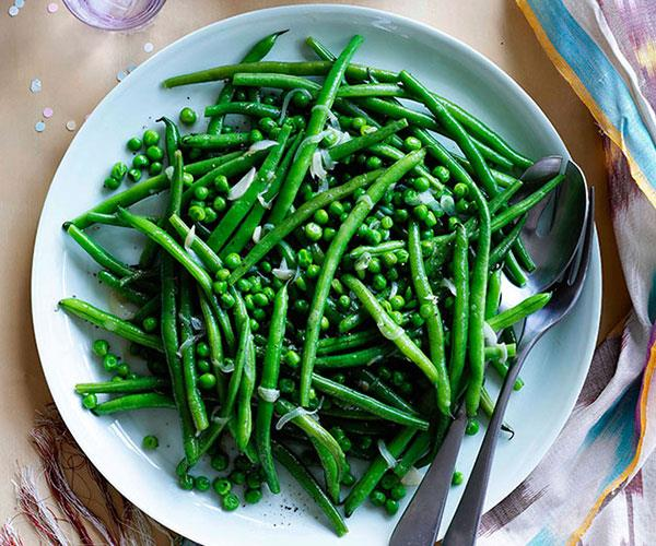 Green beans and peas with garlic and mint crème fraîche
