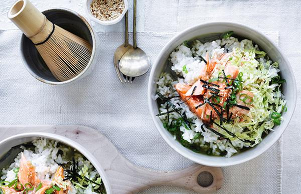 Rice bowls with matcha and roast trout recipe