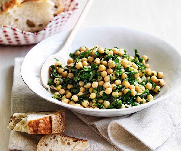 "[**Insalata di ceci (chickpea salad)*](https://www.gourmettraveller.com.au/recipes/fast-recipes/insalata-di-ceci-chickpea-salad-13320|target=""_blank"")"