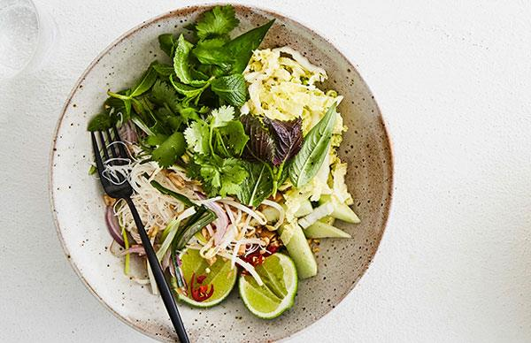 Rice noodle bowl with herbs and chilli-lime dressing