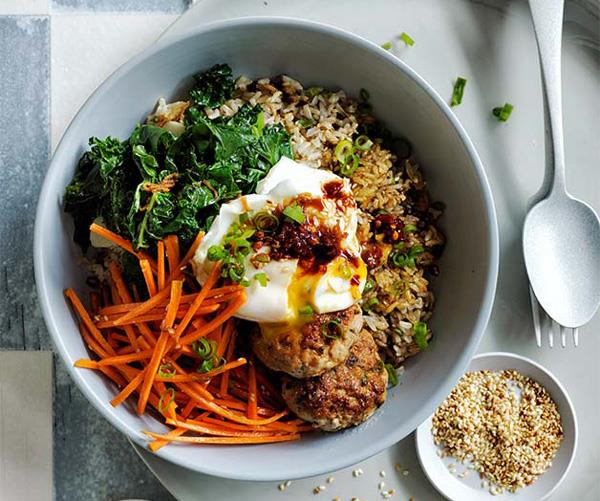 "**[Curtis Stone's crisp rice bowls with pork, egg, kale and marinated carrot](https://www.gourmettraveller.com.au/recipes/chefs-recipes/crisp-rice-bowls-with-pork-egg-kale-and-marinated-carrot-8614|target=""_blank"")**"