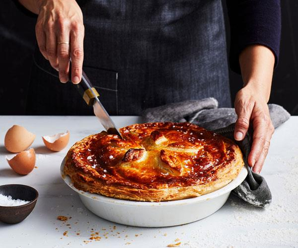 "**[Bourke Street Bakery's guide to making the perfect meat pie](https://www.gourmettraveller.com.au/recipes/explainers/meat-pie-17434|target=""_blank"")**"