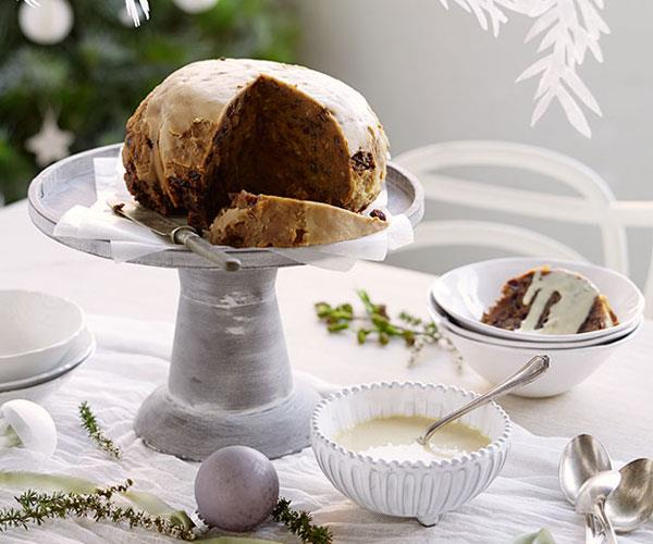 "**[Ronda's Christmas pudding by Jeremy Strode](https://www.gourmettraveller.com.au/recipes/chefs-recipes/rondas-christmas-pudding-8156|target=""_blank"")**"