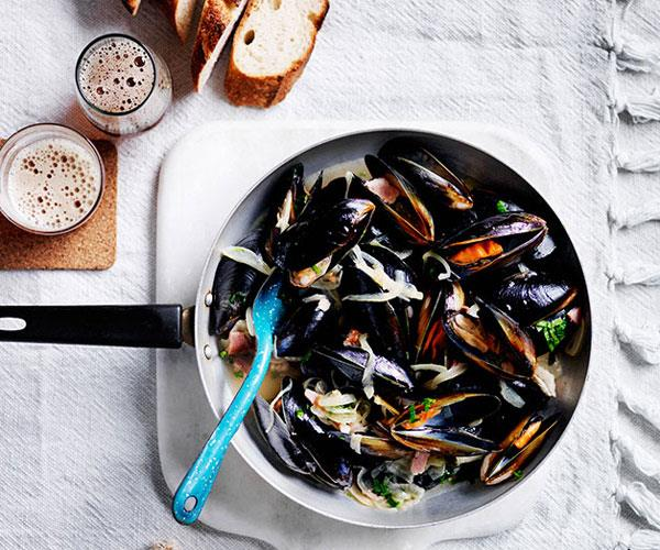 """**[Mussels with beer and bacon](https://www.gourmettraveller.com.au/recipes/fast-recipes/mussels-with-beer-and-bacon-13673