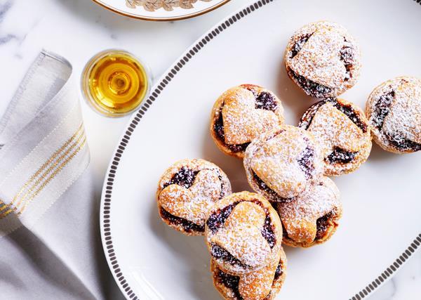 Fruit mince tarts