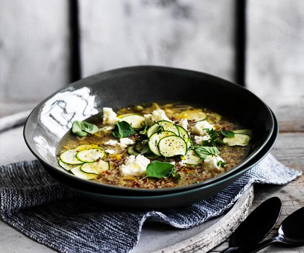 Zucchini-quinoa broth with feta