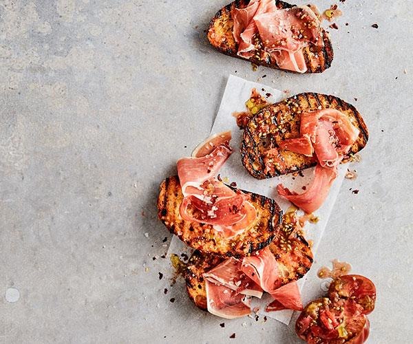"**[Mike McEnearney's tomato and jamón bread](https://www.gourmettraveller.com.au/recipes/fast-recipes/tomato-jamon-bread-18051|target=""_blank"")**"
