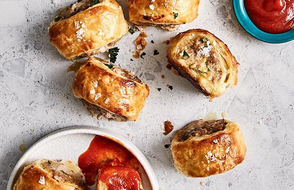 Cacio e pepe sausage rolls
