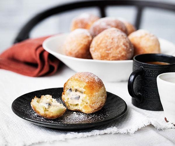 "**[Tiramisù doughnuts](https://www.gourmettraveller.com.au/recipes/chefs-recipes/tiramisu-doughnuts-9136|target=""_blank"")**"