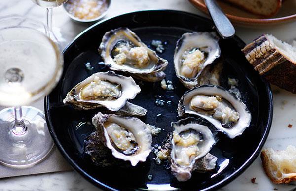 Roast oysters with horseradish