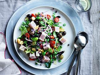 Niçoise salad with albacore tuna