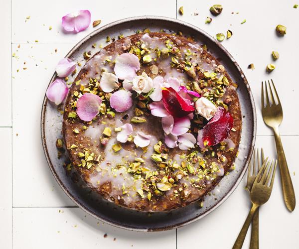 Cardamom nut cake