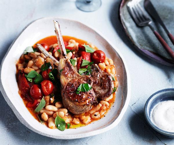 Lamb cutlets with white beans, capsicum and oregano
