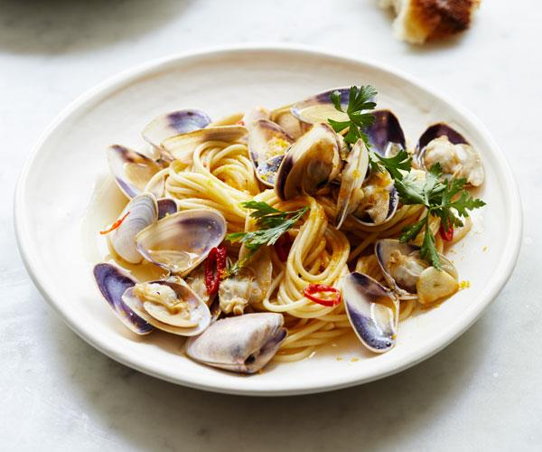 "**[Giovanni Pilu's spaghetti vongole and bottarga](https://www.gourmettraveller.com.au/recipes/fast-recipes/spaghetti-vongole-bottarga-18391|target=""_blank"")**"