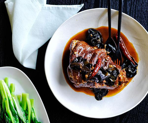 "**[Cheong Liew's pork hock and wood fungus](https://www.gourmettraveller.com.au/recipes/chefs-recipes/cheong-liews-pork-hock-and-wood-fungus-recipe-8530|target=""_blank"")**"
