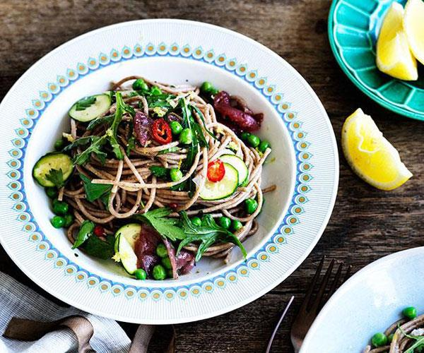 "**[Tuna, zucchini and pea spaghetti](https://www.gourmettraveller.com.au/recipes/fast-recipes/tuna-zucchini-and-pea-spaghetti-13667 target=""_blank"")**"
