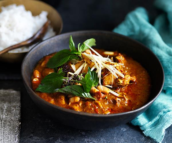 "**[Chiang Mai chicken curry](http://www.gourmettraveller.com.au/recipes/browse-all/chiang-mai-chicken-curry-12708|target=""_blank"")**"
