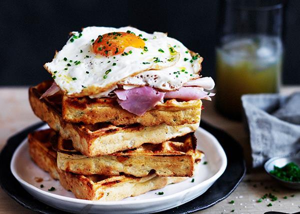 Cheesy polenta waffles with fried egg and ham