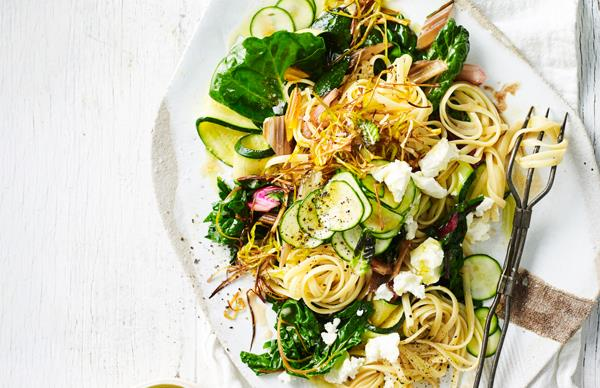 Linguine with goat's cheese and caramelised leek