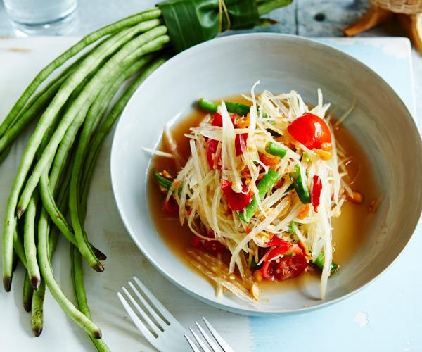 "**[Amy Chanta's guide to making som dtum Thai (green papaya salad)](https://www.gourmettraveller.com.au/recipes/browse-all/som-dtum-thai-14218|target=""_blank"")**"