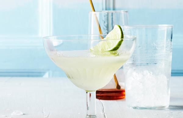 Gimlet: the best gin cocktail you'll make all week