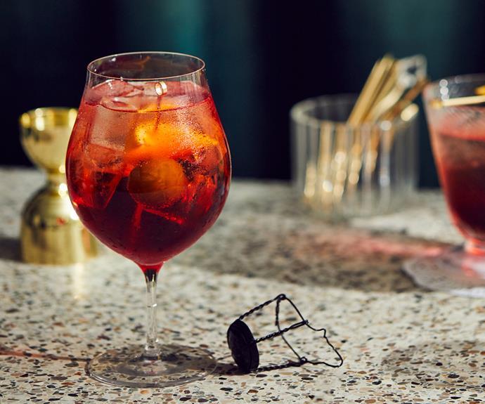 "**[The Hardware Club's Spritz Veneziano](https://www.gourmettraveller.com.au/recipes/chefs-recipes/spritz-veneziano-18861 target=""_blank"")**"