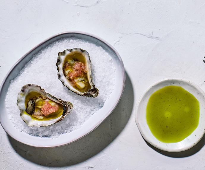 "**[Raes on Wategos' oysters with lemon-aspen vinegar, anise-myrtle oil and finger lime](https://www.gourmettraveller.com.au/recipes/chefs-recipes/oysters-lemon-aspen-vinegar-18916|target=""_blank"")**"
