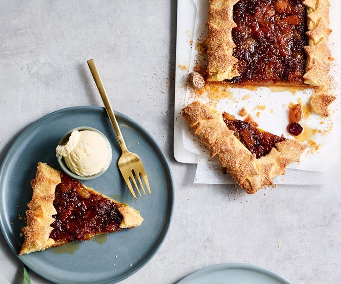 "**[Jaclyn Koludrovic's gluten-free fruit mince crostata](https://www.gourmettraveller.com.au/recipes/chefs-recipes/gluten-free-crostata-19059 target=""_blank"")**"
