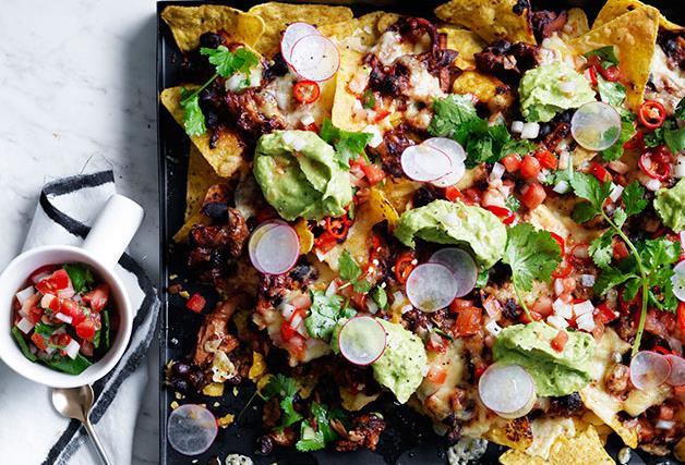 Pulled chicken and black bean nachos
