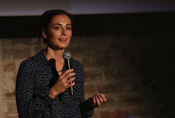 Francesca Amfitheatrof.