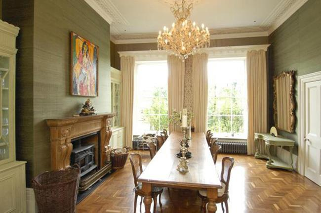 The formal dining room accommodates 20+ guests.
