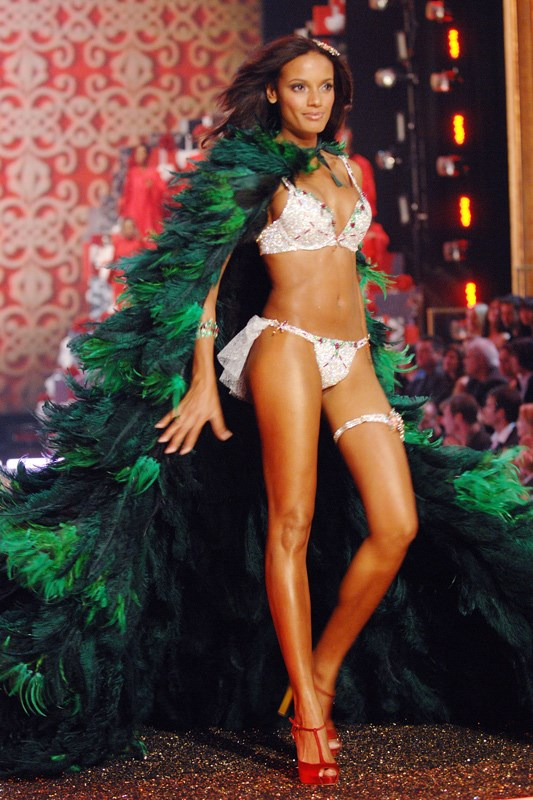 <strong>2007: Holiday Fantasy Bra</strong> <br>Angel: Selita Ebanks <br>Value: $4,500,000 <br><br>Created by jeweller Mouawad, the bra, thong, garter, cuff and barrette set is comprised of diamonds, rubies, emeralds and yellow sapphires.