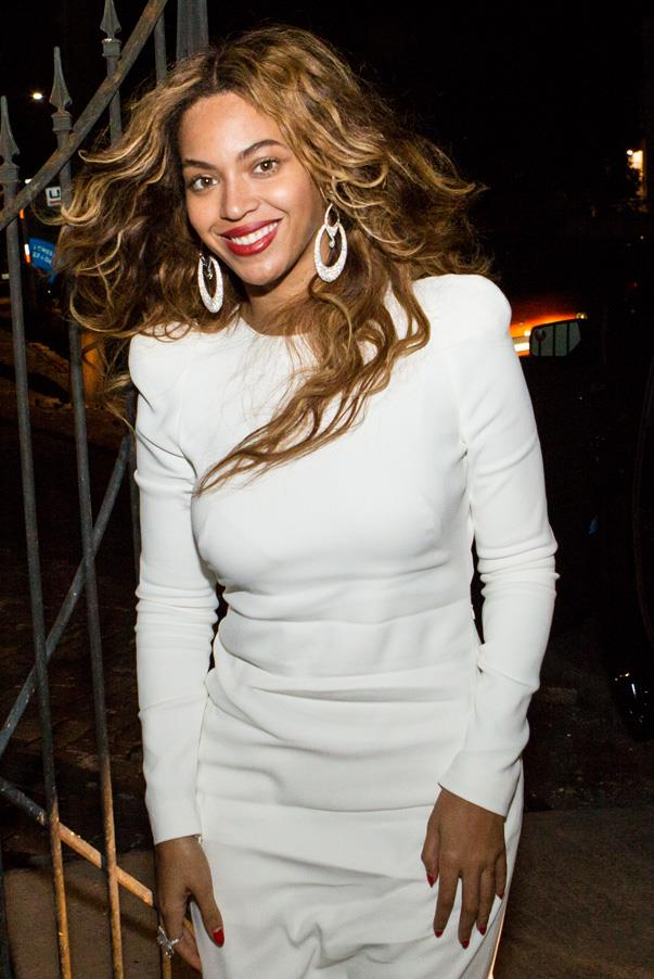 Proud sister and maid-of-honour Beyoncé wore a crisp white, 70s inspired, long-sleeved, ivory dress with nude, pointed-toe pumps to the rehearsal dinner.