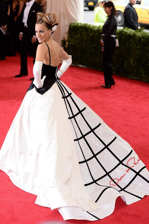 <strong>Sarah Jessica Parker in Oscar de la Renta</strong> <br><br>In what would become one of the most memorable odes to the late designer, Sarah Jessica Parker's Oscar de la Renta ball gown stole the show as she ascended the staircase into the Metropolitan of Museum of Art of the annual Met gala. Opera-length gloves and an intricate updo completed the look.