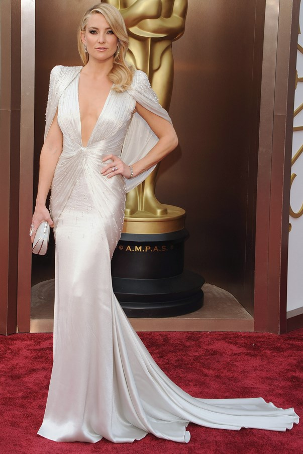 <strong>Kate Hudson in Atelier Versace</strong> <br><br>Even though Hudson was just attending the Oscars as a presenter, she bought the drama (and threatened to steal the whole show) in the caped gown by Versace.