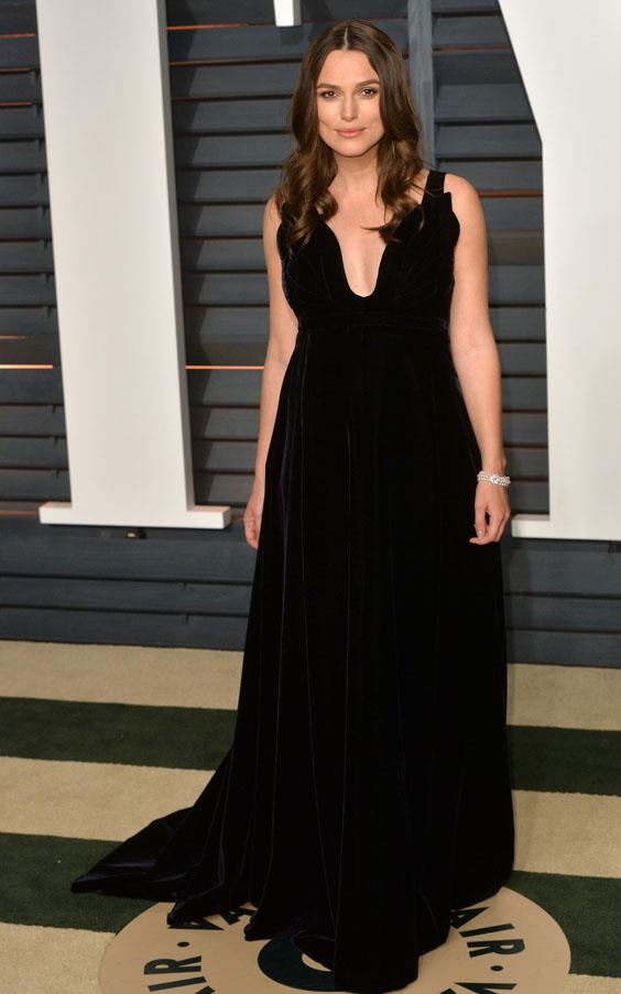 Keira Knightley continues to nail maternity-chic in Valentino Couture.