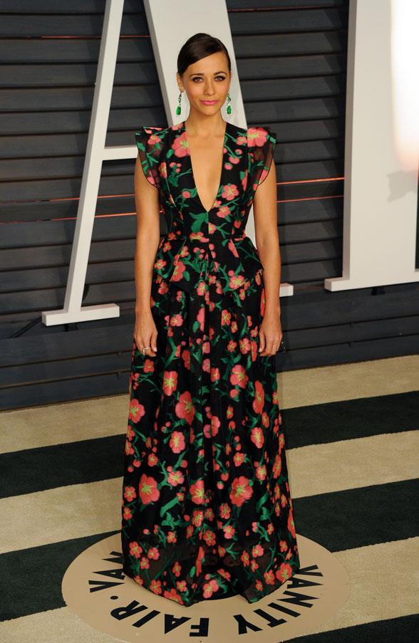 Rashida Jones wears a dress by Andrew Gn.