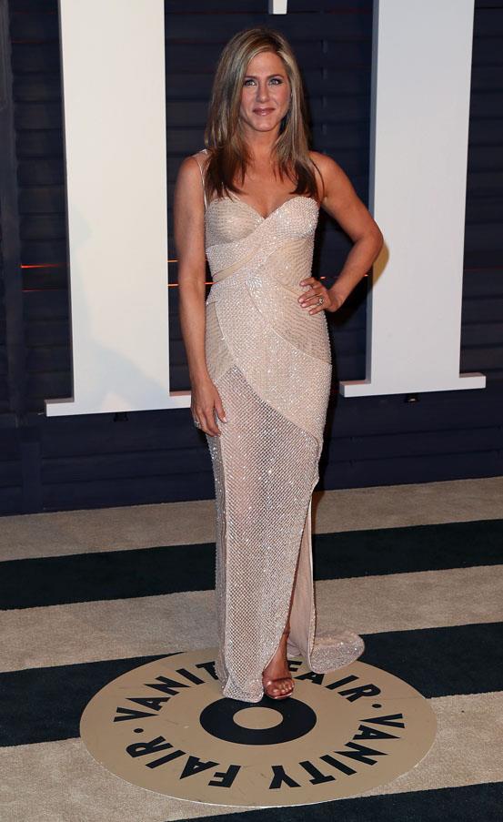 Jennifer Aniston in Atelier Versace.